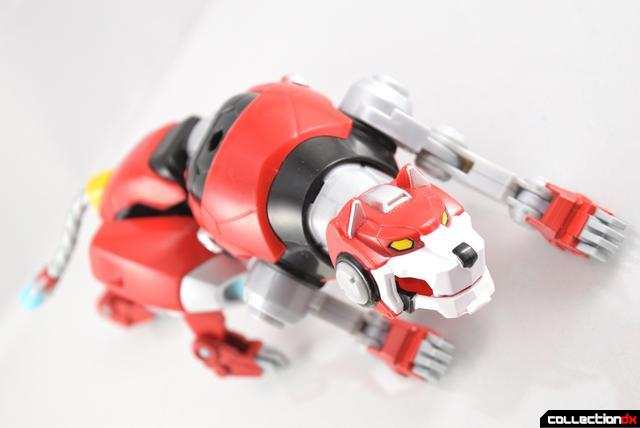 Voltron-Legendary-Red-Lion-16