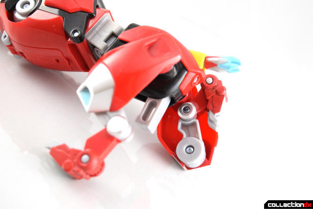 Voltron-Legendary-Red-Lion-19