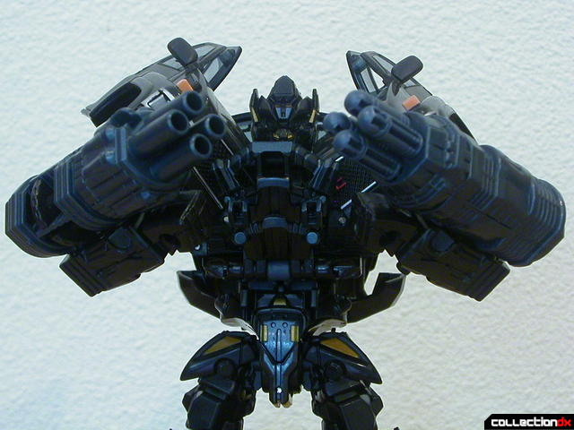 Autobot Ironhide- robot mode (cannons detail)