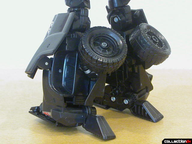 Autobot Ironhide- robot mode (leg detail, back)