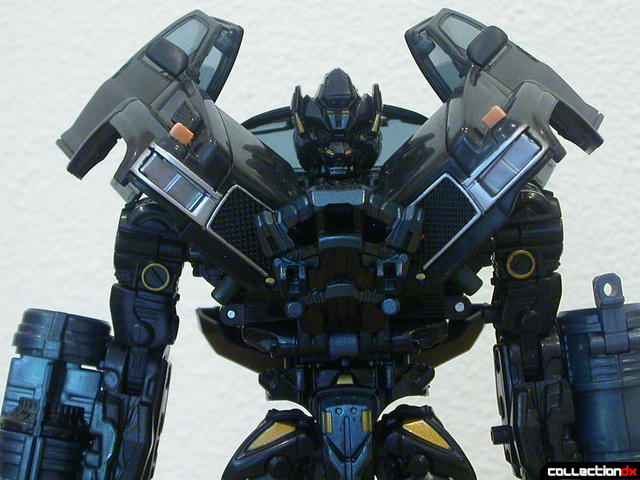 Autobot Ironhide- robot mode (shoulder armor, normal)