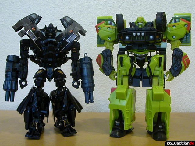 Voyager-class Autobots Ironhide (left) and Ratchet (right)