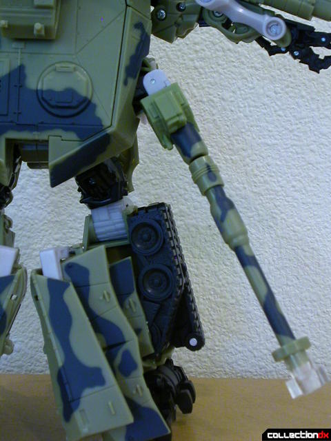 Decepticon Brawl- robot mode (120mm cannon retracted)