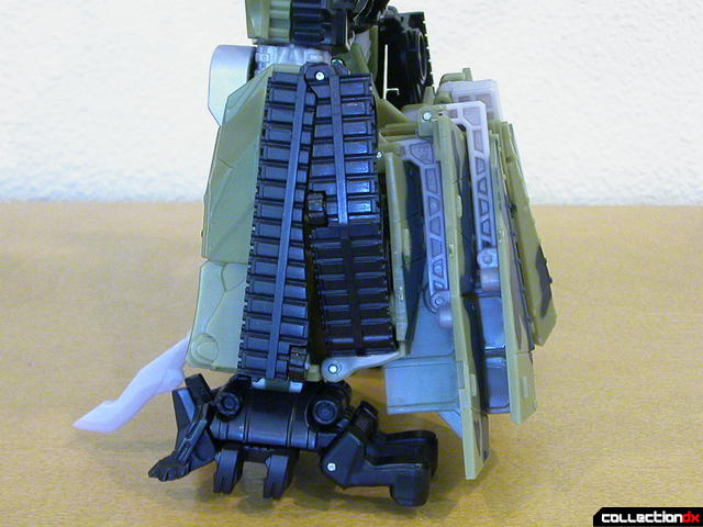 Decepticon Brawl- robot mode (back of lower legs, view 1)