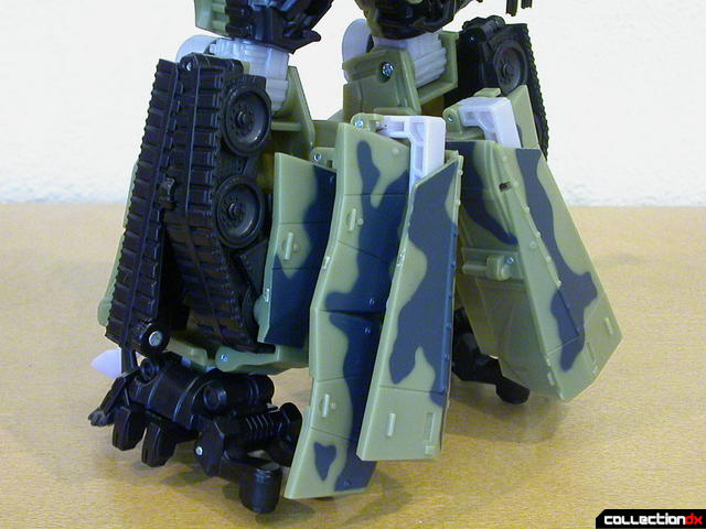 Decepticon Brawl- robot mode (back of lower legs, view 2)