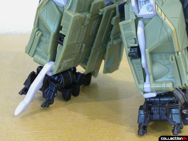 Decepticon Brawl- robot mode (white blades lowered & raised)