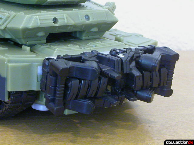 Decepticon Brawl- tank mode (fuel tanks detail)