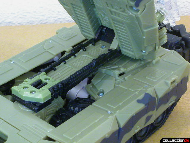 Decepticon Brawl- tank mode (turret support arm detail)
