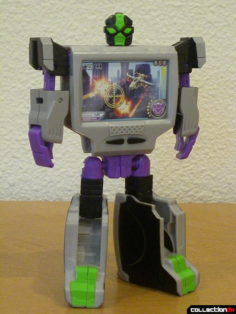 Decepticon Power Up VT6- robot mode (front)