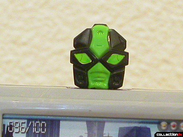 Decepticon Power Up VT6- robot mode (head detail)
