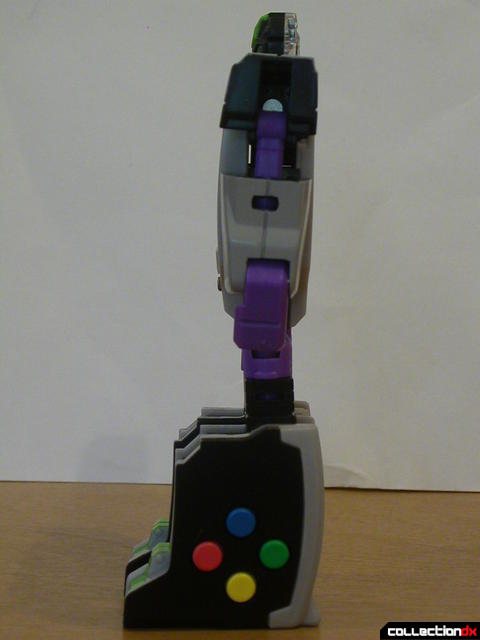 Decepticon Power Up VT6- robot mode (left side)