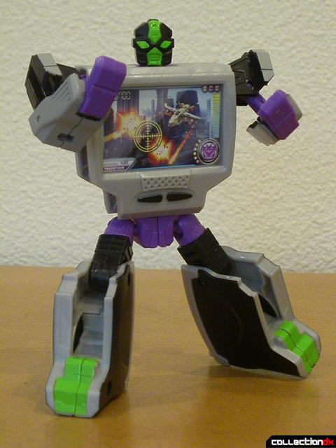 Decepticon Power Up VT6- robot mode posed (1)