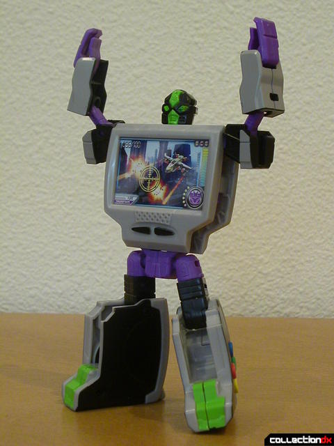Decepticon Power Up VT6- robot mode posed (2)