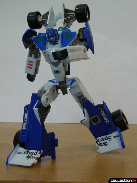 Autobot Mirage- robot mode posed (4)