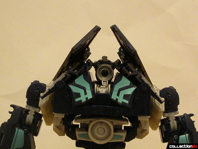 Decepticon Payload- robot mode ('wings' in better position)