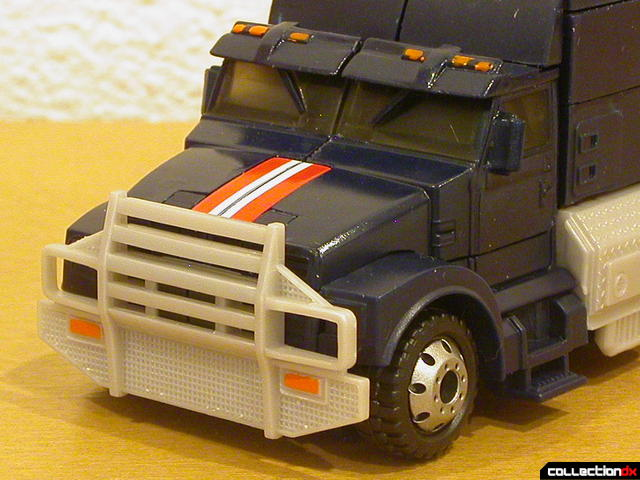 Decepticon Payload- vehicle mode (nose and cab detail)