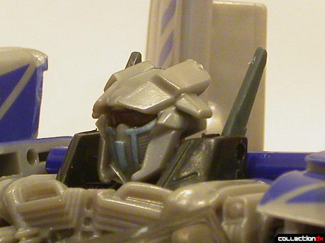 Decepticon Dropkick- robot mode (head detail)