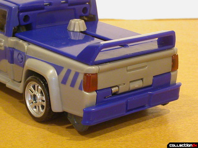 Decepticon Dropkick- vehicle mode (back details)