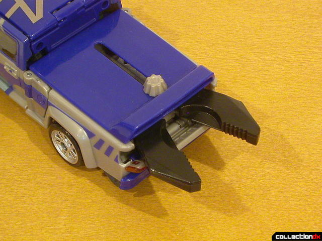 Decepticon Dropkick- vehicle mode (deploying claw feature, 3-3)