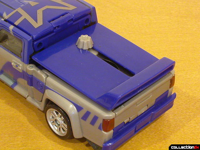 Decepticon Dropkick- vehicle mode (truck bed covered)