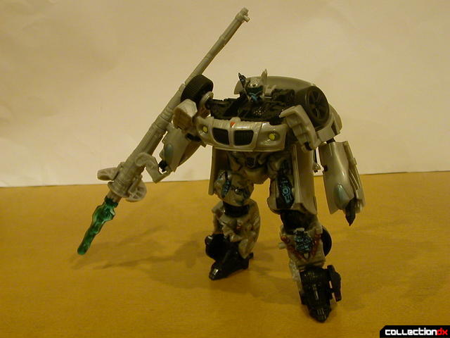 Final Battle Jazz- robot mode posed with plasma cannon (3)