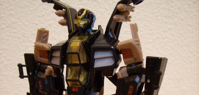 Deluxe-class Autobot Tomahawk