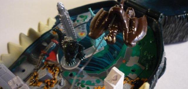 Godzilla vs. Rodan in New York – Micro Battle Playset