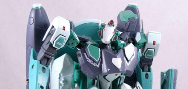 RVF-25 Messiah Valkyrie Luca Custom