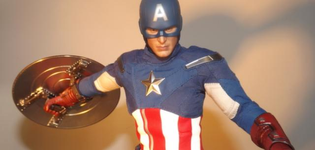 Hot Toys Avengers Captain America