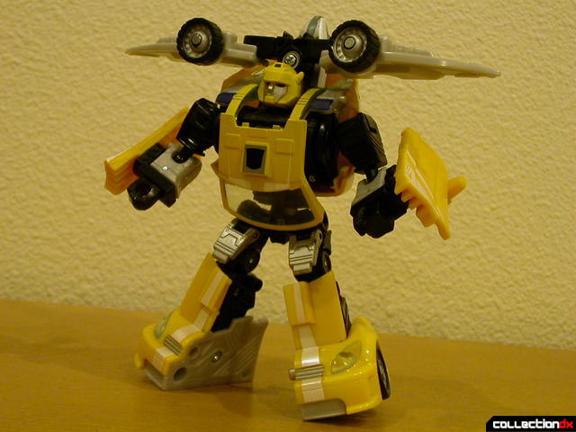 Autobot Bumblebee- robot mode, posed with Wave Crusher attached (1)