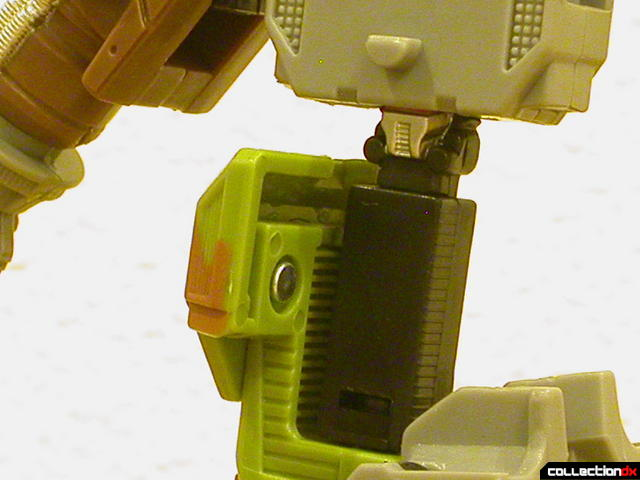 Autobot Signal Flare (transformation detail-1)