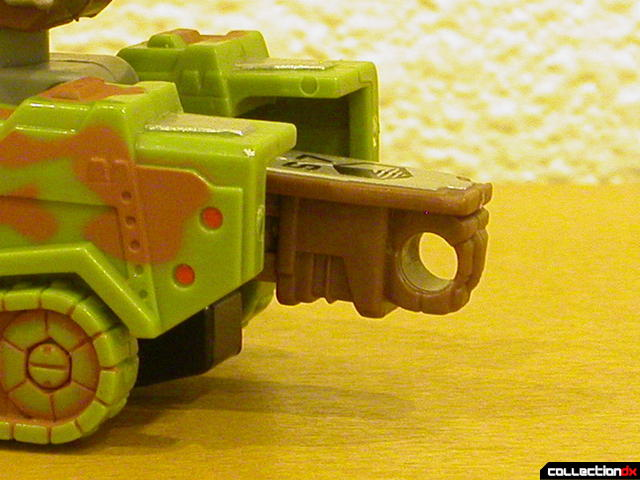 Autobot Signal Flare- vehicle mode (back, 'hitch' detail)