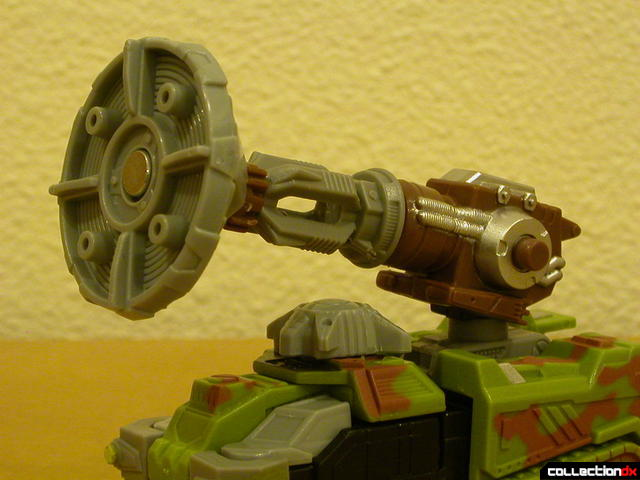 Autobot Signal Flare- vehicle mode (Energon dish attached)