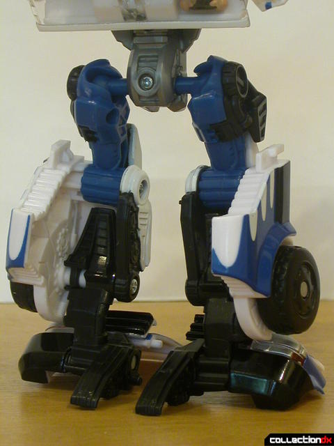 Battle Scenes Autobot Longarm- robot mode (back of legs detal)