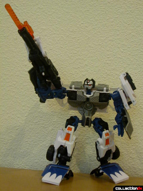 Battle Scenes Autobot Longarm- robot mode posed (2)