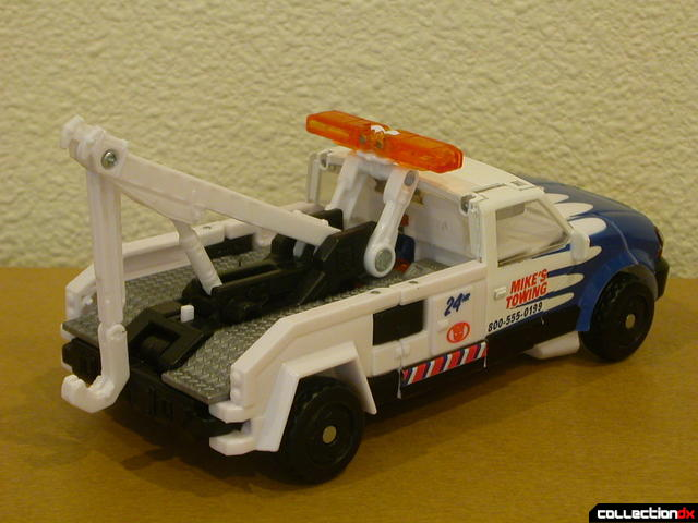 Battle Scenes Autobot Longarm- vehicle mode (back)