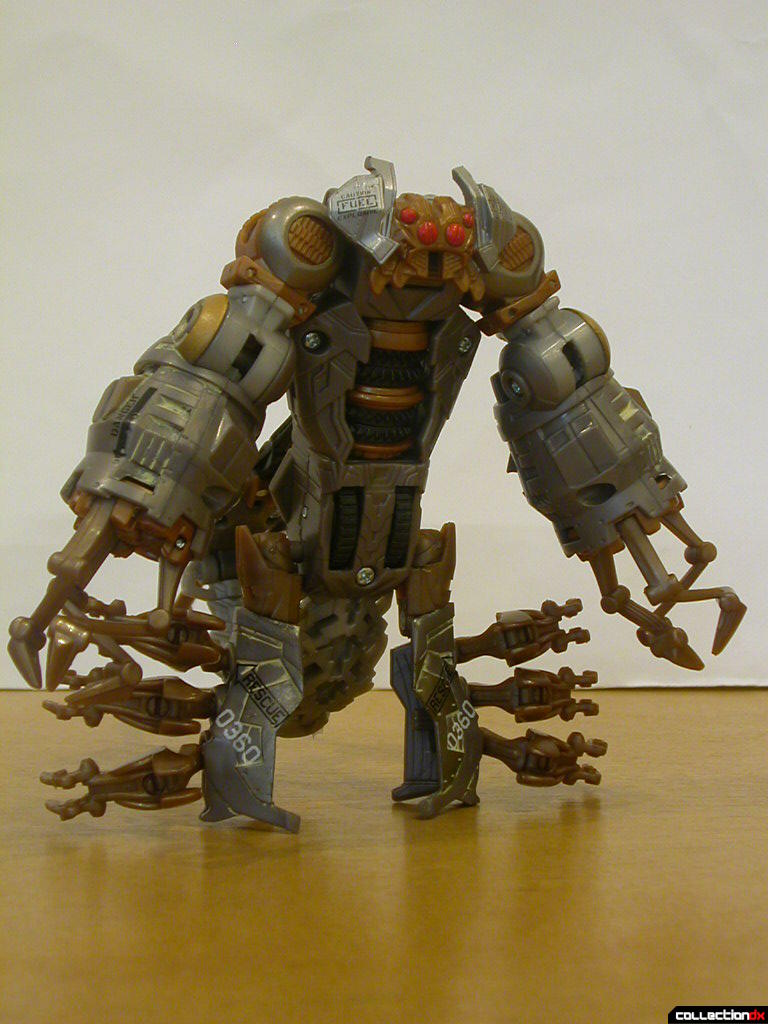Battle Scenes Decepticon Scorponok- robot mode (front)