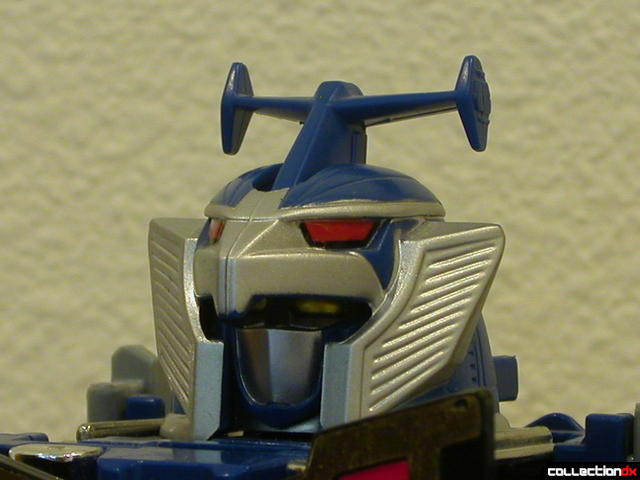 Deluxe Stratoforce Megazord (head detail)