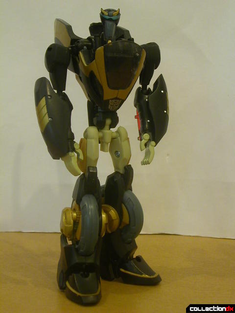 Autobot Prowl- robot mode posed (2)