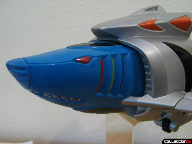 Transforming Fury Megazord Set- Cyan Shark (head detail)