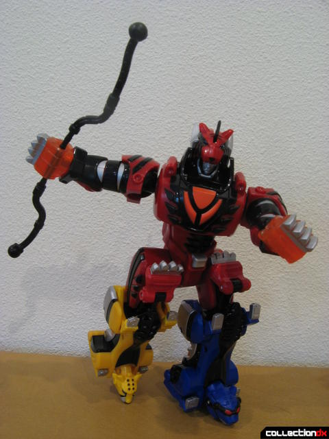 Transforming Fury Megazord Set- Jungle Pride Megazord posed (with Jungle Setsukon weapon)