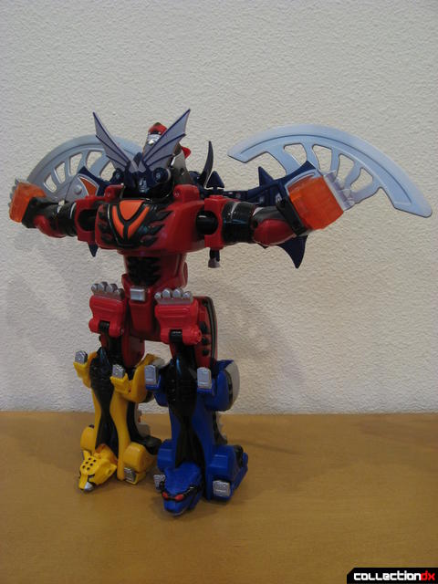Transforming Fury Megazord Set- Jungle Pride Megazord with Bat Power (front)