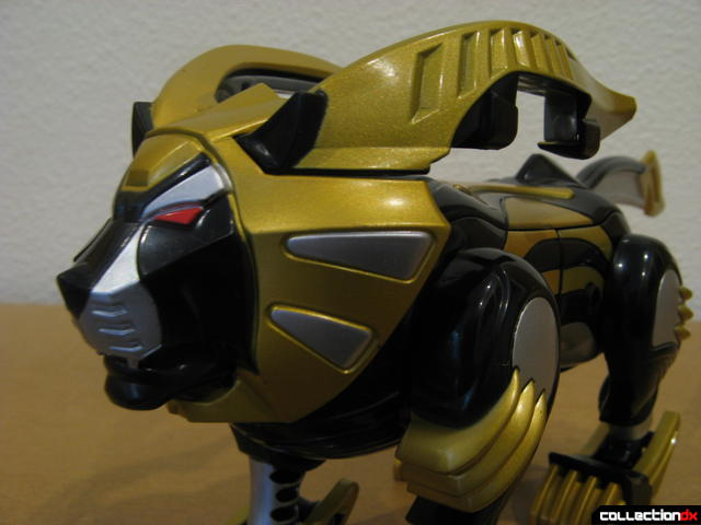 Transforming Fury Megazord Set- Lion (head detail)