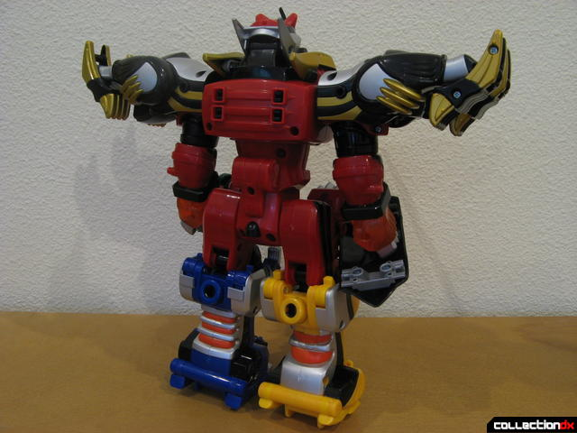 Transforming Fury Megazord Set- Ultimate Megazord (back)