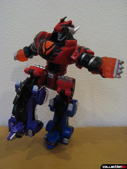 Transforming Fury Megazord Set- Wolf Pride Megazord posed (1)