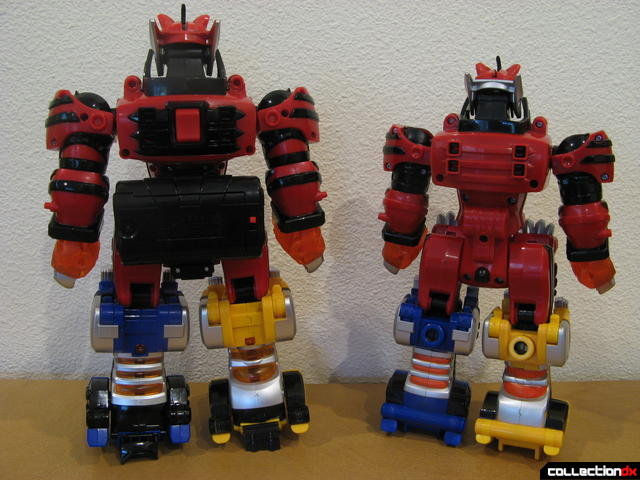 back view- Deluxe Jungle Pride Megazord (L) and Transforming Jungle Pride Megazord (R)