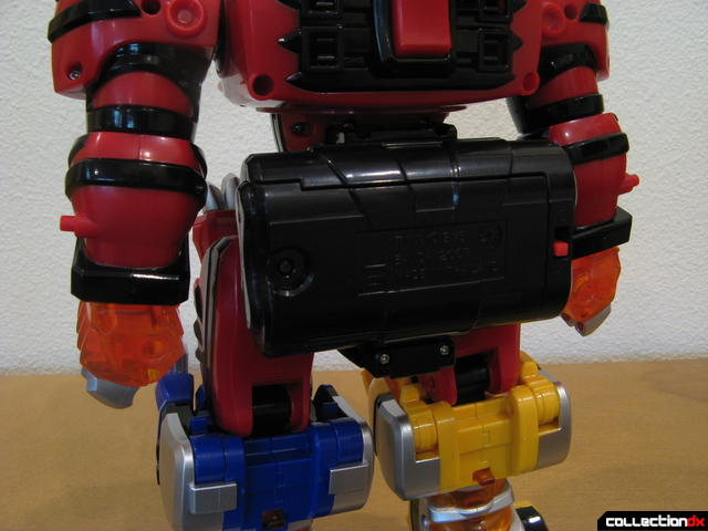 Deluxe Jungle Pride Megazord (battery fanny pack detail)