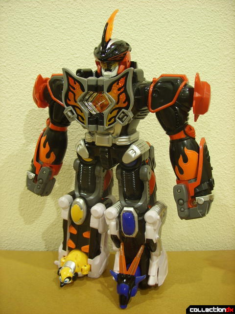Deluxe Jungle Master Megazord (front)