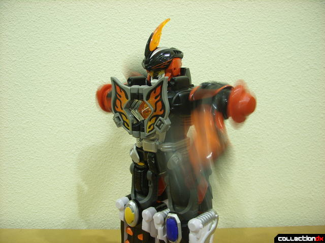 Deluxe Jungle Master Megazord- motorized arms swinging (1)