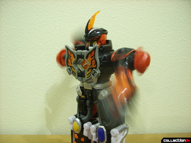 Deluxe Jungle Master Megazord- motorized arms swinging (2)